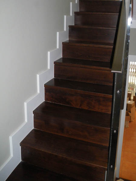 Revestimientos horizontales fusteria m torres i j moral - Revestimiento para escaleras ...