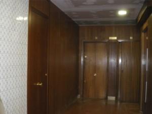 Decoración de vestíbulo en madera