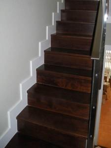 Revestimiento de huellas y contrahuellas para escalera interior